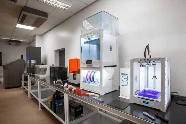 Additive manufacturing with 3D printing
